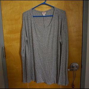 Light-weight long-sleeve top